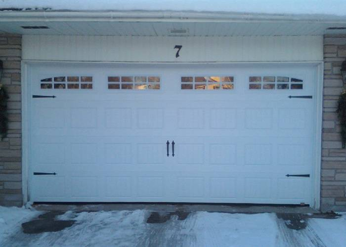 "North Hatley, 15'9"" x 7', Ice White, Bellevue and Stockton insert windows"